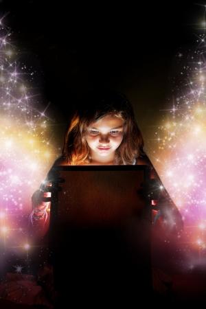 büyülü: Ücretsiz yıldız ayarı sihirli kutu  hediye açılış küçük bir kız