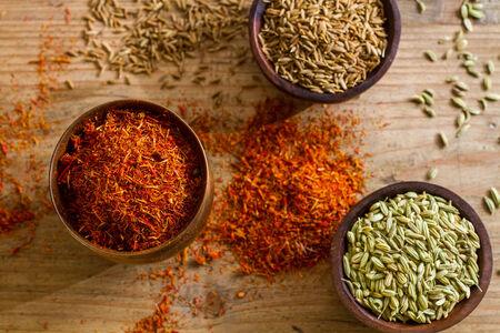 medicina natural: El azafrán, semillas de hinojo, Foto de archivo