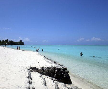 otemanu: View of Matira Beach, Bora Bora, French Polynesia.