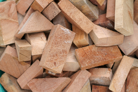 Small pieces of wood chips, various shapes