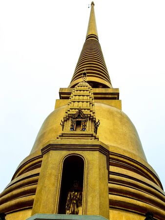 reminisce: the beautiful Chedi in Wat Donwai,Thailand