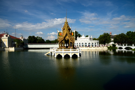 bang pa in: Phra Thinang Aisawan Thiphya - Art is a small  Thai style pavilion situated in the middle of a lake in the Bang Pa - in Summer Palace , Ayutthaya Province ,Thailand. Stock Photo