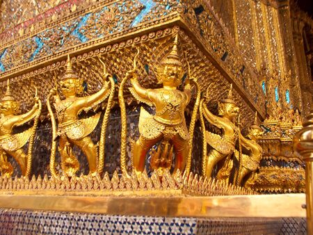 Garuda statue photo