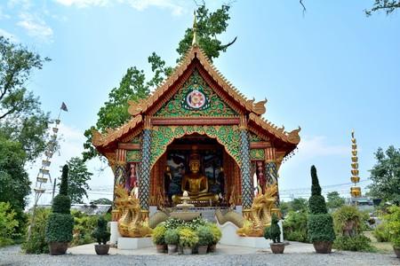 lanna: thai lanna temple