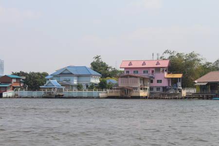 brink: Beautiful house riverbank
