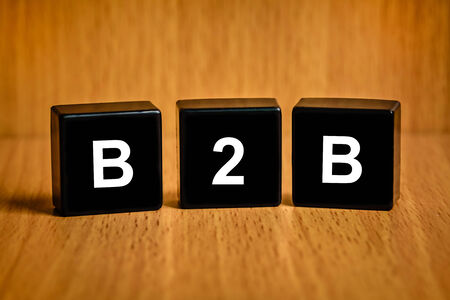 black block: B2B o texto-Business-to-business en el bloque negro Foto de archivo