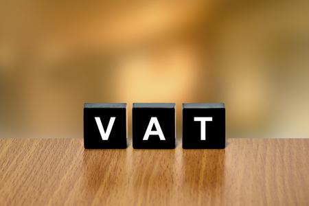 black block: IVA o impuesto sobre el valor a�adido en el bloque negro con fondo borroso