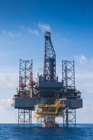 well made: Oil and gas drilling rig work over remote wellhead platform to completion oil and gas produce well by using drilling bit which made from carbide or diamond at head bit and drive by mud pressure