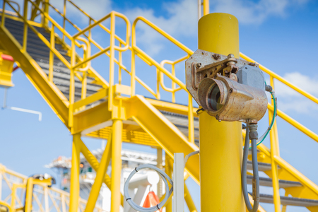 Gas detector infared type for monitor and detec gas leak at oil and gas central processing platform Standard-Bild