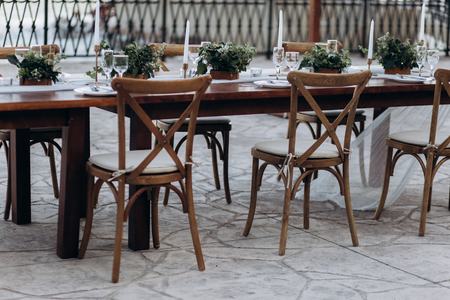 Eco-friendly, wedding decor. Wooden table newlyweds for a party. 版權商用圖片