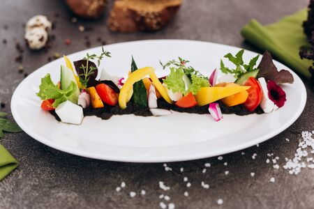 Classical Greek Salad in an unusual design.- Image Banco de Imagens