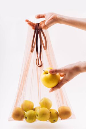 Eco packs. No waste. Eco bag with apples. Purchase without harm to nature in anti-plastic bags. Zero Waste. Foto de archivo