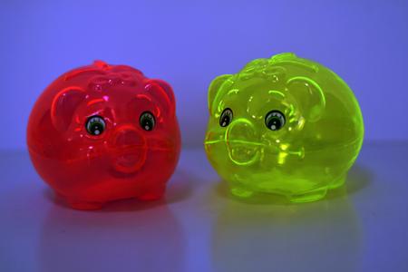 Two piggy banks Фото со стока - 94972275