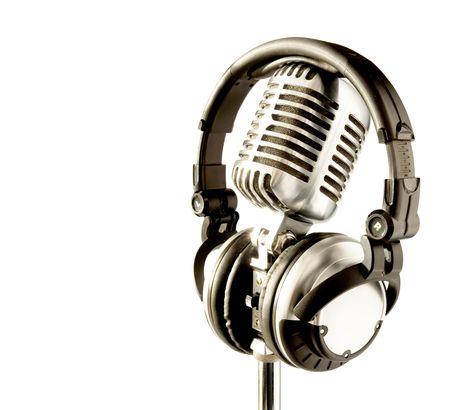 casque audio: Professional 'R�tro' Microphone & DJ Headphones (avec chemin de d�tourage pour enlever facilement fond si n�cessaire)  Banque d'images