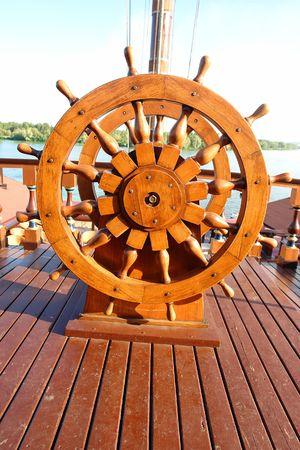 timon barco: Capit�n del volante