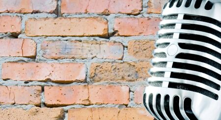 Grunge Mike (Retro Microphone Against Brick Wall) Stock Photo - 670557