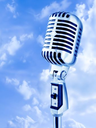 shure: Open Air Show (Retro Microphone Over Blue Sky)