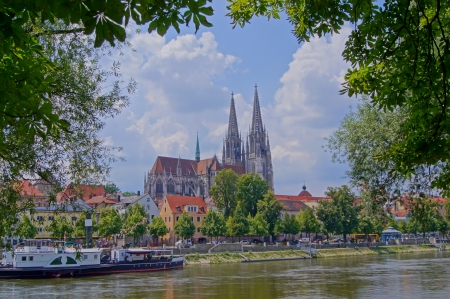 Cathedral of Regensburg Stock Photo - 16922495