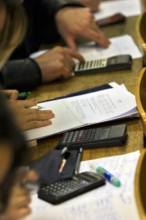estudiantes universitarios: los estudiantes universitarios durante un examen