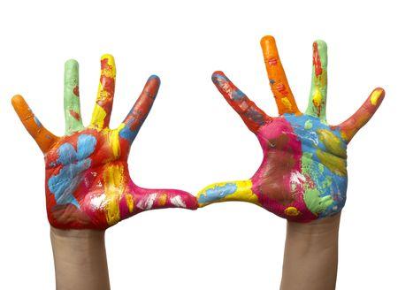 talents: pr�s de l'enfant des mains peintes avec l'aquarelle, sur fond blanc avec chemin de d�tourage