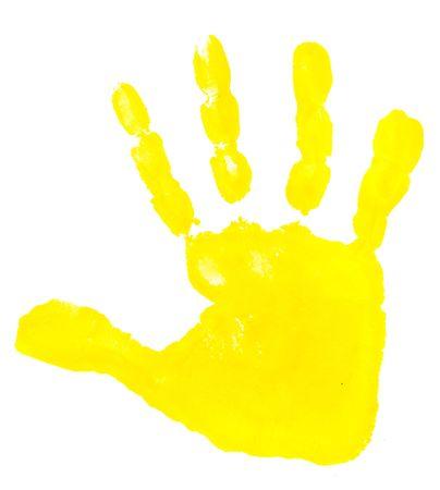 hand schilderen: close-up van kleurrijke prenten kind hand op witte achtergrond