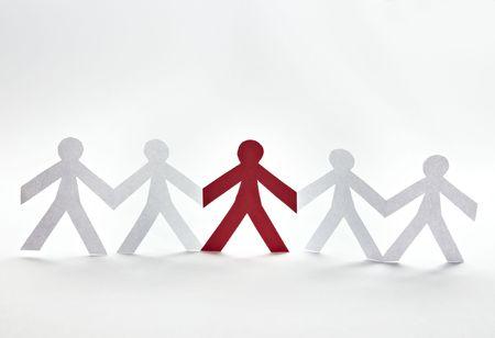 schneiden: Nahaufnahme von Menschen Schnitt von Papier auf wei�em Hintergrund