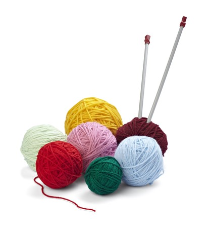tejido de lana: Close up de lana circulares sobre fondo blanco  Foto de archivo