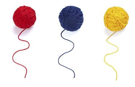 wool fiber: colecci�n de lana circulares sobre fondo blanco. cada uno est� en la resoluci�n de la c�mara completa