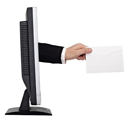 dando la mano: detalle de una mano de nota en blanco, llegando a fuera de la pantalla de un ordenador sobre fondo blanco.