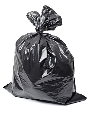 Śmieciarka: zamknąć siÄ™ z worka na Å›mieci na biaÅ'ym tle z wycinek Å›cieżki