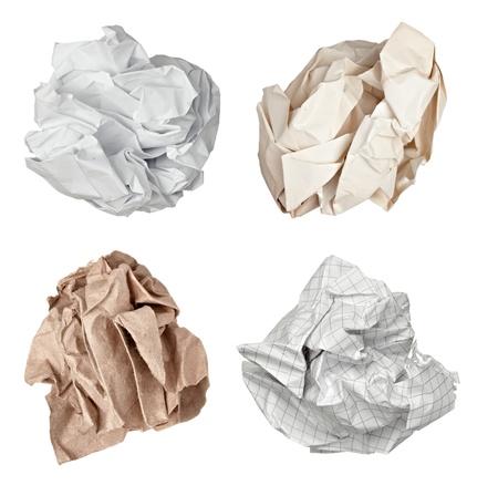 collection de boule de papier divers sur fond blanc. chacun d'eux est abattu séparément