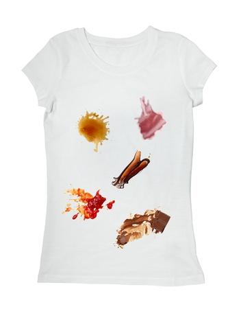 fleck: colecci�n de varios alimentos manchas de salsa de tomate, chocolate, caf� y vino de camiseta blanca Foto de archivo