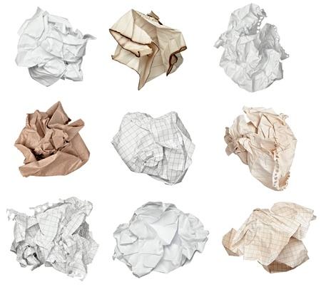 waste paper: colecci�n de bola de papel distintos en el fondo blanco. cada uno de ellos recibe un disparo por separado