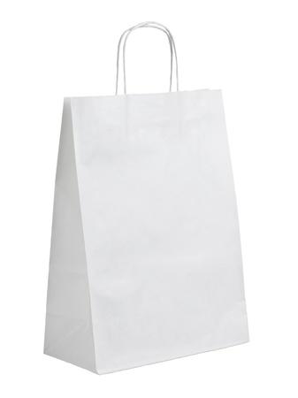 white paper bag: cerca de una bolsa de papel blanco sobre fondo blanco con trazado de recorte