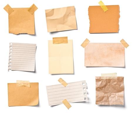 Sammlung von verschiedenen Vintage Notizzetteln auf weißem Hintergrund jedes wird separat erschossen
