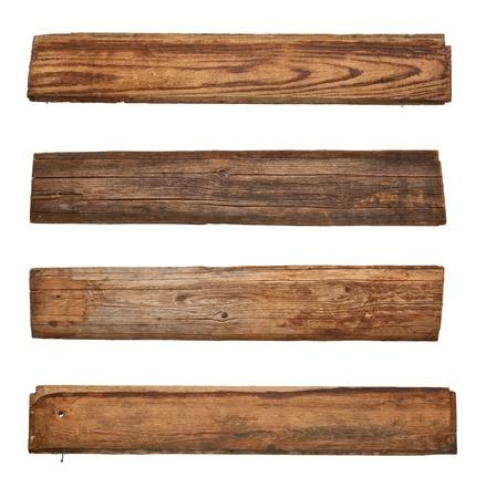 verzameling van verschillende lege houten teken op witte achtergrond. elk wordt afzonderlijk neergeschoten