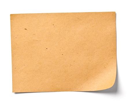 nota de papel: Close up de una nota de papel de la vendimia en el fondo blanco Foto de archivo