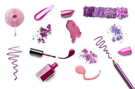 faire l amour: collection de divers maquillage sur fond blanc. chacun est tiré séparément