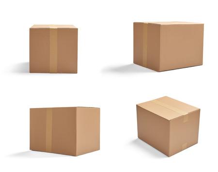 cajas de carton: colecci�n de varias cajas de cart�n en el fondo blanco