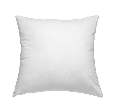 tela blanca: Cerca de una almohada blanca sobre fondo blanco