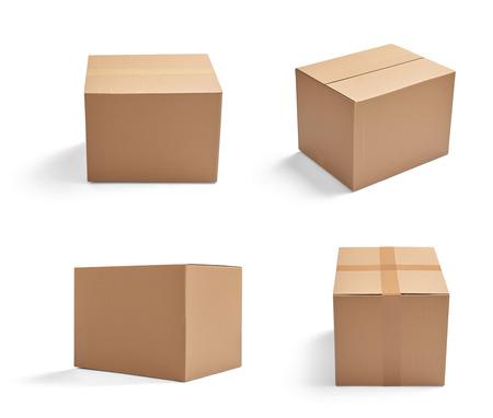 Raccolta di varie scatole di cartone su sfondo bianco Archivio Fotografico