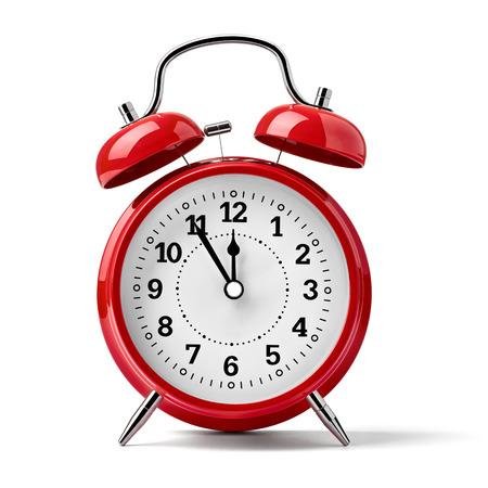 Nahaufnahme eines Jahrgangs rote Glocke Uhr auf weißem Hintergrund Standard-Bild - 38591261