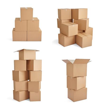 boite carton: collection de diverses boîtes de carton sur fond blanc Banque d'images