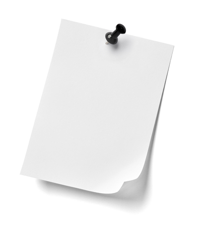 push pin: close up of  a note paper with a red push pin on white background Stock Photo