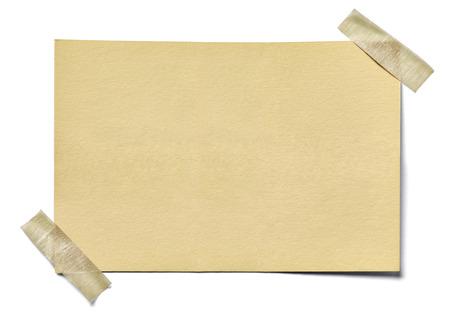 Nahaufnahme eines Notizpapier auf weißem Hintergrund