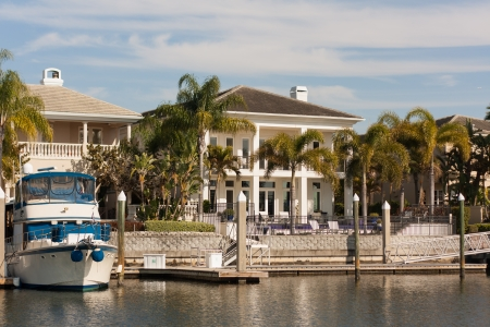 This home on the water at Tampa, Florida may not be everyone Imagens - 22835933