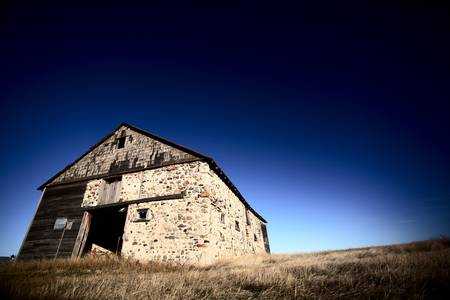 Old barn on the Prairies Stock Photo - 8451168