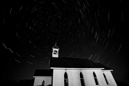 faiths: Star tracks over Saint Columba Anglican Country Church Stock Photo