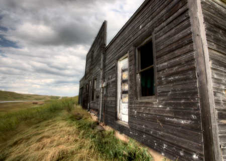 Abandoned Farmhouse Saskatchewan Canada sunset and prairie view Stock Photo - 10702570