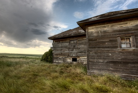 Abandoned Farmhouse Saskatchewan Canada sunset and prairie view Stock Photo - 10702571